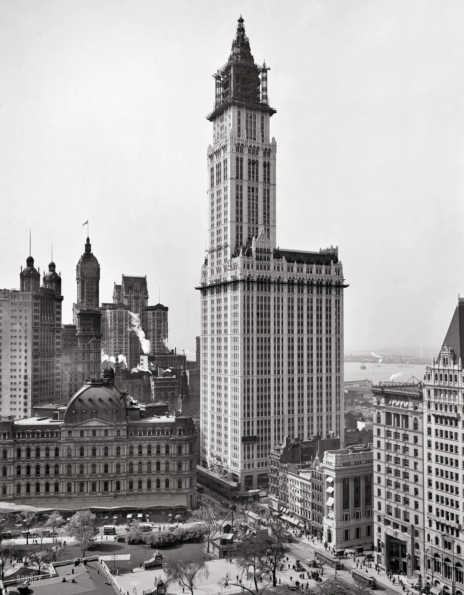 Woolworth Building в год открытия